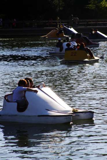 Parque Quinta normal laguna artificial actividad de botes