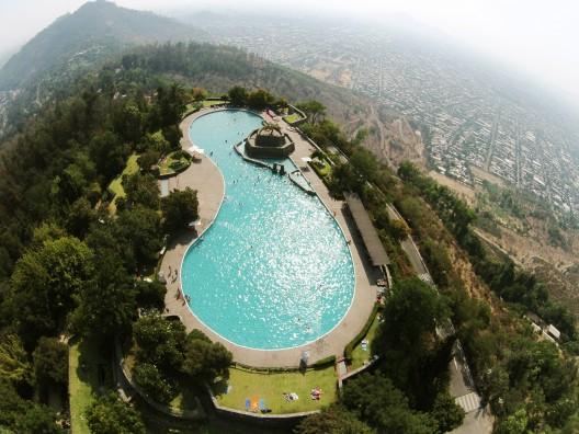 Parque Metropolitano: piscina Tupahue y piscina Antilén