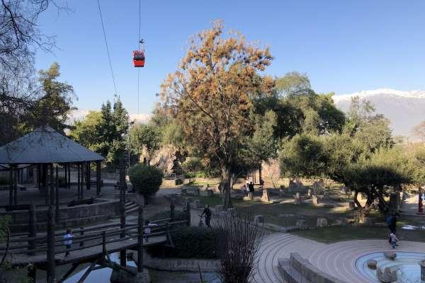 Plaza Gabriela Mistral, un panorama para niños en ParqueMet
