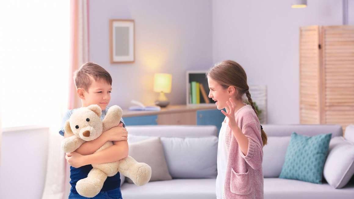 Hermanos y rivales: Qué hacer cuando los hijos compiten